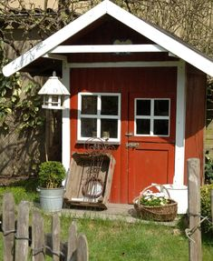 shabby chic garden shed Cottage Garden Sheds, Garden Houses, Garden Structures, Outdoor Structures, Outdoor Buildings, Shed Plans 8x10, Shed With Porch, Shabby Chic Garden, Potting Sheds