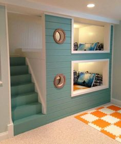 Bunk beds built-in are fun for more than just kids, this very nautical look is a super way to transform extra sleeping from a awkward spots...