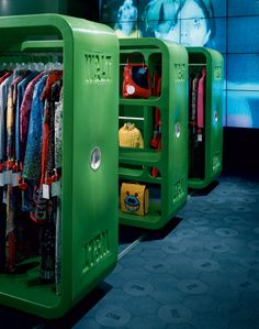 """"""" 'W&LT Shop Concept' by Marc Newson """"Approached by clothing designer Walter Van Beirendonck to design a shop concept for his W. brand, Marc decided upon a modular. Top Interior Designers, Shop Interior Design, Best Interior, Retail Design, Design Commercial, Commercial Interiors, Display Design, Store Design, Interior Design Institute"""