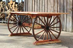 Wagon wheel table, wagon wheel decor, furniture making, garden furniture, b Western Furniture, Rustic Furniture, Garden Furniture, Diy Furniture, Furniture Buyers, Furniture Making, Wagon Wheel Table, Wagon Wheel Decor, Rustic Table