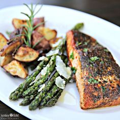 Grilled Salmon, Asparagus, and Red Potatoes