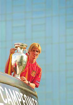 #FernandoTorres #Torres Euro 2012, Spanish, Princess Zelda, Baseball Cards, Sports, Fictional Characters, Fernando Torres, Hs Sports, Sport