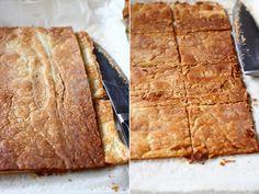 Prajitura cu spuma de capsuni   Laura Laurențiu Butcher Block Cutting Board, I Foods, Cooking Recipes, Sweets, Chef Recipes, Sweet Pastries, Food Recipes, Goodies, Candy