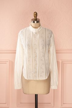 Thamilini Light - White lace stand collar blouse