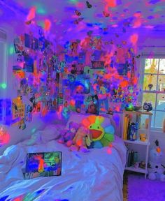 Indie Bedroom, Indie Room Decor, Hipster Bedroom Decor, Chambre Indie, Chill Room, Neon Room, Retro Room, Grunge Room, 90s Grunge