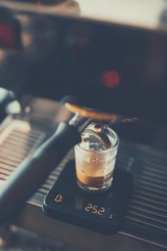 The Beginner's Guide To Espresso | The Coffee Folk Coffee Latte Art, Coffee Barista, Coffee Shop, Beans Image, Coffee Pictures, Coffee Pics, Cheap Coffee Maker, Coffee Games