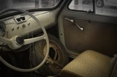 An old Fiat 500 before the restyling.
