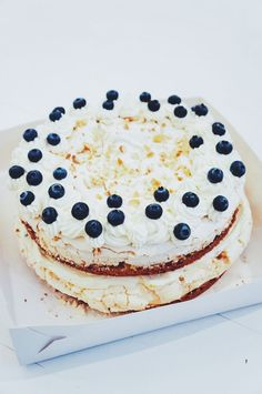 Passion & sitruuna & mascarpone / Brita-kakku.