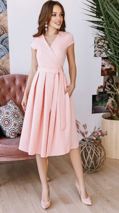 Dress outfit Cute dress and brown hair Source by dresses for church Church Dresses, Modest Dresses, Simple Dresses, Elegant Dresses, Casual Dresses, Short Dresses, Summer Dresses, Classy Outfits, Pretty Outfits