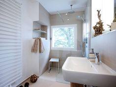 Superb Kleine B der mit acht Quadratmetern sind in deutschen Wohnungen blich Bauen de gibt Tipps zur Badgestaltung mit Badm beln und Sanit robjekten