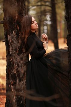 Fashion: Female Model | Andy Torres // Outdoors, Outdoor Lighting, Natural Lighting, Warm Tones, Fall, Colour Contrast, Forest, Trees, Level, Side Profile, Half Body, Through the Trees