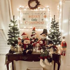 60+ Cozy Christmas Decorations That's is Your Ultimate Happy Place - Hike n Dip