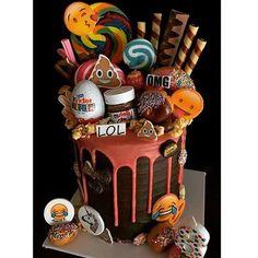 Thank you for the edible images @customicing✌🏻️#customicing #instacake #oreo #lol #omg #emojicake #loadedcake #dripcake #birthdaycake Thank YOU Lisa for making our CustomIcing edible images look AMAZING! 📷: @cakes_by_lisa_thttps://www.instagram.com/p/BPACD3mFFL_/omg,customicing,loadedcake,lol,emojicake,birthdaycake,instacake,dripcake,oreo