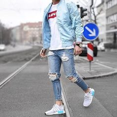 "7,793 mentions J'aime, 86 commentaires - STREETWEAR ☓ GERMANY (@streetwearde) sur Instagram : ""Rate this outfit from 1-10 ⚡️ @tobilikee #strwrde"""