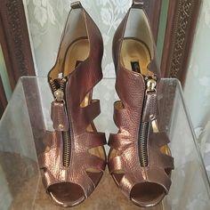 Beverly Feldman bronze heels Zipper front heel 4 inches one left heel blemlish picture three Beverly Feldman Shoes Heels
