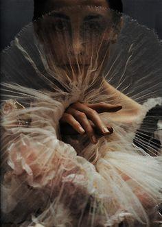 a-of:  Diva Assolut.Erin O'Connor by Koto Bolofo, Vogue Deutsch October 2005