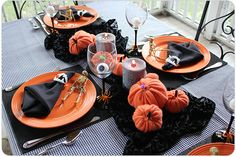 What a great harvest table for Halloween! via @Diane Goodwill