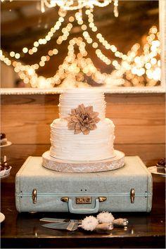 white ruffled wedding cake@weddingchicks