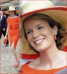 leuk setje voor op de steentjes ;-)  Princes Mathilde met oranje hoed