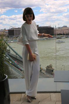 Nagy zsófia ezzel a menő szettel búcsúzik Carrie Bradshaw, Manolo Blahnik, Normcore, Glamour, Outfit, Fashion, Clothes, Moda, Fasion