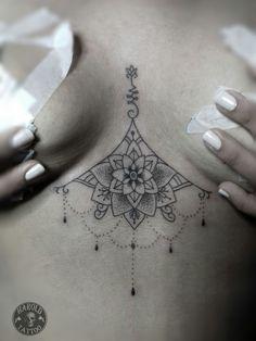 tattoo between breasts, … tatuaje entre senos Mini Tattoos, Little Tattoos, Cute Tattoos, Body Art Tattoos, Sleeve Tattoos, Tatoos, Unalome Tattoo, Mandala Sternum Tattoo, Black Girls With Tattoos