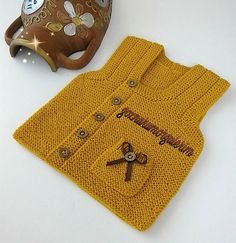 This Pin was discovered by Hay Baby Knitting Patterns, Knitting For Kids, Free Knitting, Steve Howey, Baby Staff, Baby Boy Dress, Bebe Baby, Knitted Baby Clothes, Moda Emo
