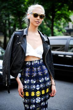 Streetstyle: Soo Joo in Paris shot by Giacomo Cabrini
