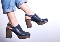 1970s Bibiana Navy Leather Platform Heels // by UXCVintage