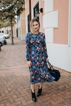 Casual Fall Outfits That Will Make You Look Cool – Fashion, Home decorating Trendy Dresses, Fall Dresses, Nice Dresses, Fall Outfits, Casual Dresses, Fall Floral Dress, Floral Dress Outfits, Dress With Boots, The Dress