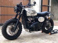 Triumph Scrambler, Cafe Racer Motorcycle, Triumph Motorcycles, Motorcycle Trailer, Retro Motorcycle, Motorcycle Garage, Triumph Street Twin, Custom Paint Motorcycle, Motorbike Design