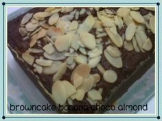 Why it's called with browncake? Coz it's made in mix recipes between brownies and cake ^o^