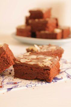 Leipomo: Suklaanougat browniesit