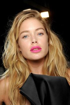 Pink lip + colorless eyes //  Doutzen Kroes bright lips at Giles #ss13 #make-up #trend