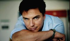 Ahh, hold up! John Barrowman's on #Arrow ? Episode watching to continue.