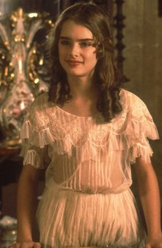 Pretty Baby, a movie of white lace and ruffles Brooke Shields Pretty Baby, Brooke Shields Young, Pretty Baby 1978, Pretty Baby Movie, Divas, Celebs, Celebrities, Retro, Beautiful
