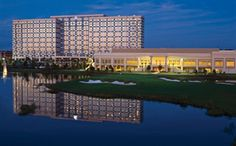 75) Hilton Orlando Bonnet Creek: A world-class meeting destination featuring the Waldorf Astoria® Orlando (498 guest rooms), the Hilton Orlando Bonnet Creek (1,001 guest rooms), and 150,000 sq ft of meeting and function space. The meeting space at Bonnet Creek is in a league of its own with 3 grand ballrooms, 42 meeting rooms, and 5 executive boardrooms. For planners looking to take advantage of the Florida weather, there are a variety of distinct outdoor venues too.