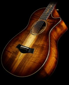 Taylor K22ce 12-Fret Koa Grand Concert Acoustic/Electric Guitar