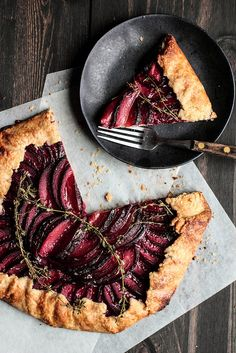Plum Almond Galette #Vegan with a vegan crust and non-dairy milk for glazing