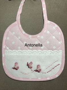 Cross Stitch Baby, Cross Stitch Patterns, Bib Pattern, Baby Sewing, Baby Bibs, Diy And Crafts, Applique, Couture, Embroidery