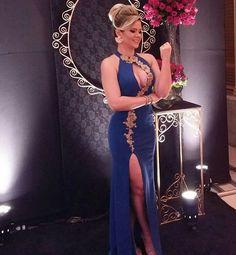 .  .  .  .  .  .  #dress #inspiração #inspiration #love #vestidodefesta #vestidobordado #longdress #madrinha #formanda #exclusive #gorgeous #amazing #life #makeup #hair #nature #model #blog #fashion #sexy #international #luxo #photography #nature #blogueira #blonde #instablogger #sunset #spfw #joias #wedding