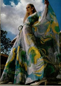 """heroinsight: """"Nina Ricci Floral maxi dress for L'Officiel French fashion """" 70s Vintage Fashion, Seventies Fashion, 70s Fashion, Vintage Style, 1960s Dresses, Floral Maxi Dress, Maxi Dresses, Retro Chic, Historical Costume"""