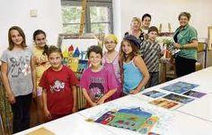 Die städtische Kunstschule bietet Kurse für Kinder und Jugendliche an. In kleinen Gruppen werden sie unter Anleitung erfahrener Künstler gefördert  http://www.visualartschool.ch/kunstschule