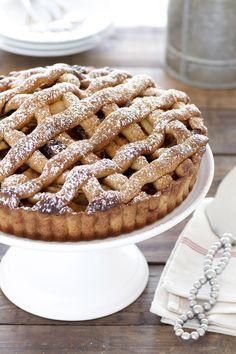 Apple Pie with Madjhul Dates. Apple Pie with Madjhul Dates Great Desserts, Best Dessert Recipes, Fall Desserts, Sweet Recipes, Delicious Desserts, Drink Recipes, Cocoa Recipes, Apple Recipes, Baking Recipes