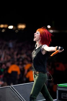 Hayley Williams of Paramore! Love this awesome photo!