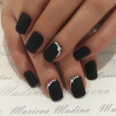 19 Trendy Black Coffin Nails Art Styles 2019 That Are Edgy Designs To Try The black nail is one of the most amazing nail colors. We say that for many reasons but for on our o. Black Coffin Nails, Black Acrylic Nails, Black Shellac Nails, Black Sparkle Nails, Fancy Nails, Pretty Nails, Edgy Nails, Black Wedding Nails, Black Nail Designs