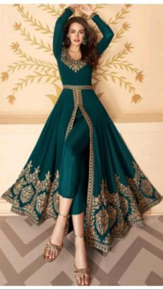 Party Wear Indian Dresses, Pakistani Fashion Party Wear, Designer Party Wear Dresses, Indian Gowns Dresses, Dress Indian Style, Indian Fashion Dresses, Indian Wedding Outfits, Pakistani Dress Design, Indian Designer Outfits