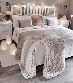 bedroom decor ideas for teens; Small and warm cozy bedroom i… cozy bedroom ideas; bedroom decor ideas for teens; Small and warm cozy bedroom ideas; Dream Bedroom, Lux Bedroom, Master Bedrooms, Bedroom Neutral, Bedroom Ideas Grey, Bedroom Lamps, Bedroom Vintage, Warm Bedroom, Pink Bedrooms