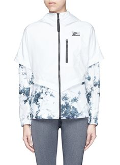 NIKE 'Nike International Windrunner' Foldable Aerial Print Jacket. #nike #cloth #jacket
