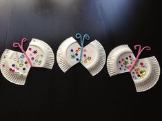 schmetterlinge basteln mit pappteller und pfeifenreiniger #decoration #Easter #paper