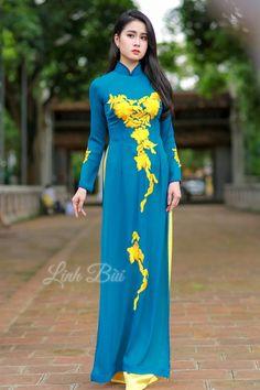 Tên sản phẩm: Áo dài truyền thống  Màu sắc: Xanh lam  Chất liệu: Lụa cao cấp co dãn 4x  Hotline: 092.888.6989 – 0988.992.590